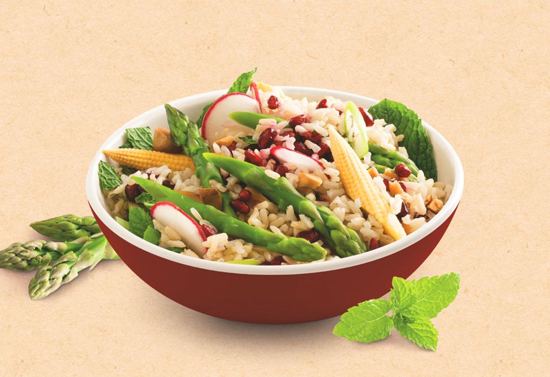 Asparagus, corn and brazil nut salad