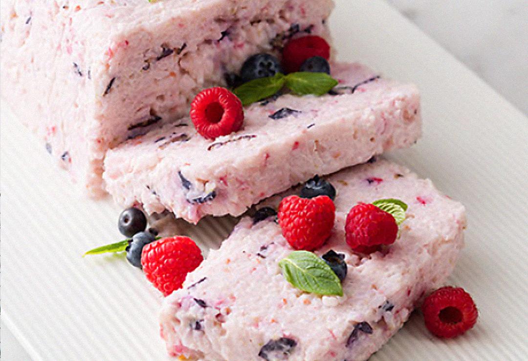 Frozen berry rice cream