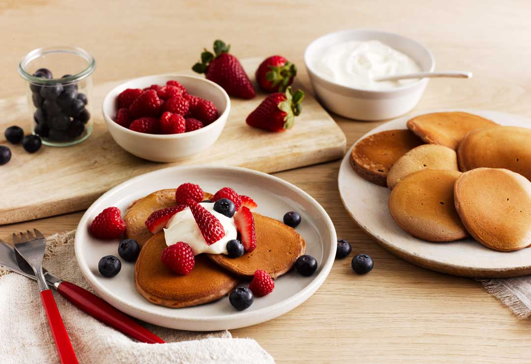 Pikelets With Yoghurt And Berries